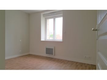 Location à SAINT BRICE EN COGLES - 49m² à 0 € - vue 4